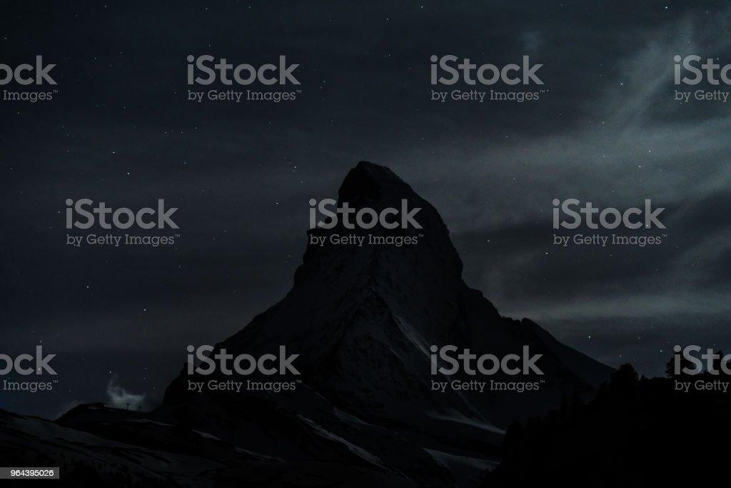 Paisagem de noite de montanha Matterhorn Suíça Alpes - Foto de stock de Alpes europeus royalty-free