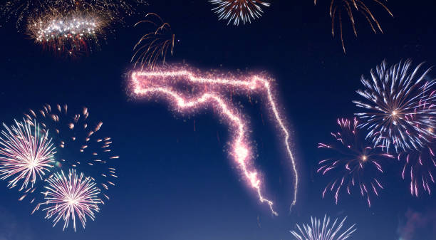 Night sky with fireworks shaped as Florida.(series) - foto stock