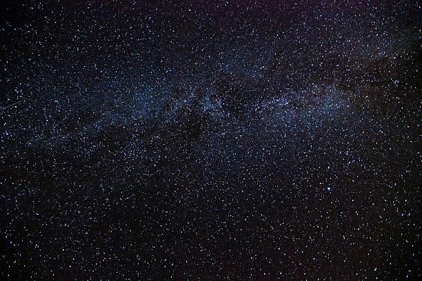 nachthimmel, milchstraße - sternhaufen stock-fotos und bilder