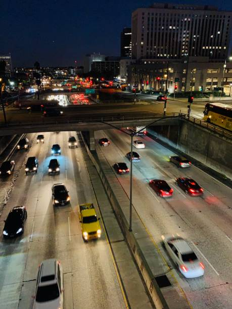 Nachtverkehr in Los Angeles Innenstadt, USA – Foto