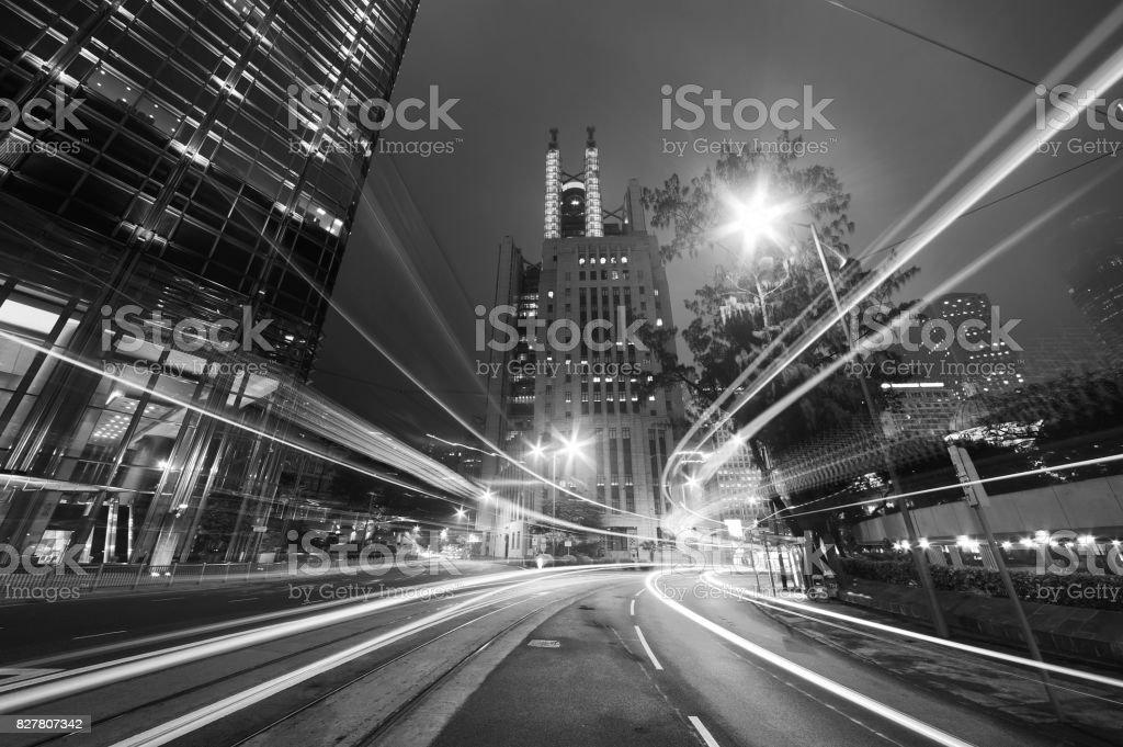 Nachtverkehr in Großstadt – Foto