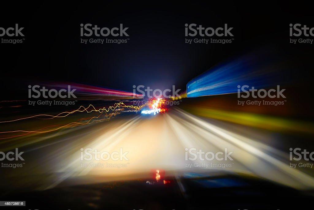 Nacht Verkehr, Aufnahmen aus dem Fenster des rush dem Auto. – Foto