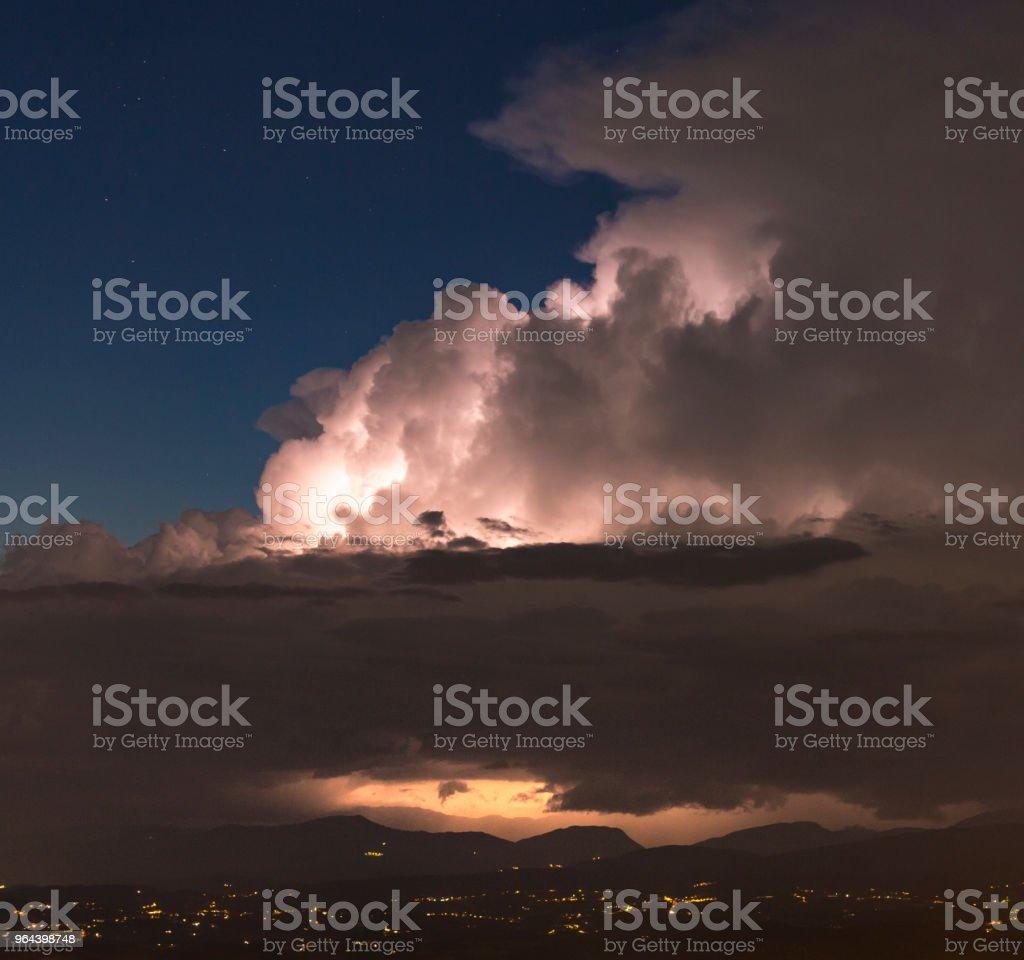 Updraft noite de tempestade - Foto de stock de Bigorna - Ferramenta de trabalho royalty-free