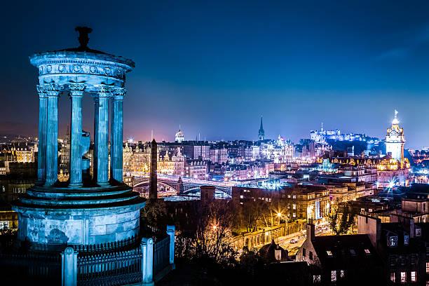 Blick bei Nacht vom Calton Hill, Edinburgh – Foto
