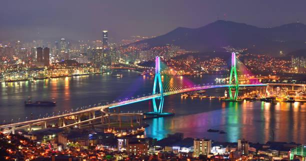 釜山ノース ブリッジ グランド ブリッジ vd713 の夜景 - 釜山 ストックフォトと画像