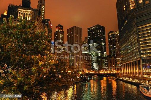 483312814 istock photo Night view of Chicago 1064439930