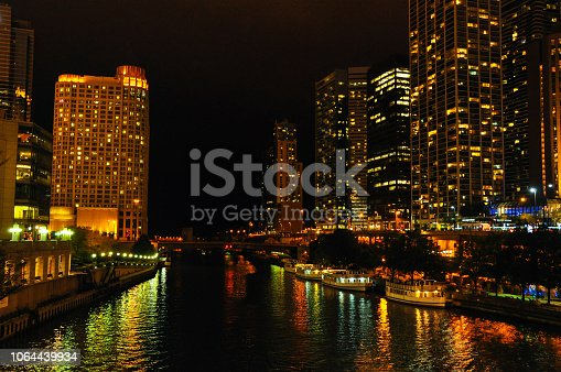 483312814 istock photo Night view of Chicago 1064439934