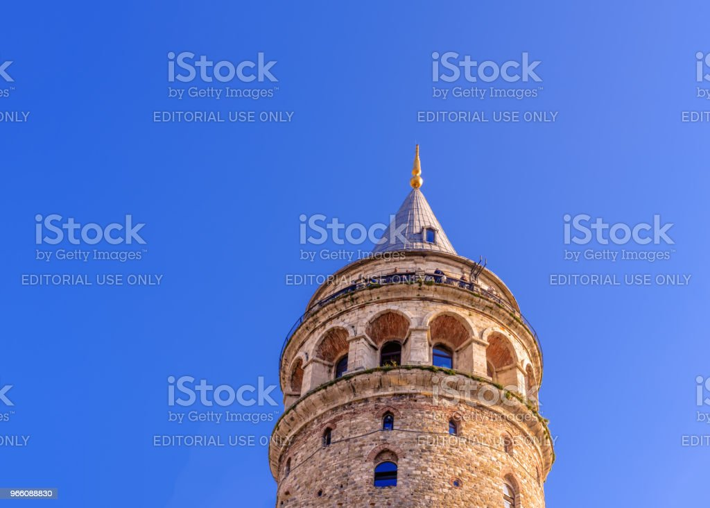 Night view of Galata Tower, a medieval famous landmark - Стоковые фото Karaköy - Istanbul роялти-фри