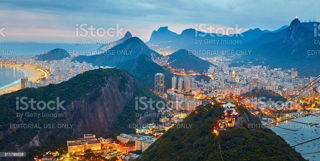 Vista nocturna del Rio de Janeiro, Brasil - foto de stock