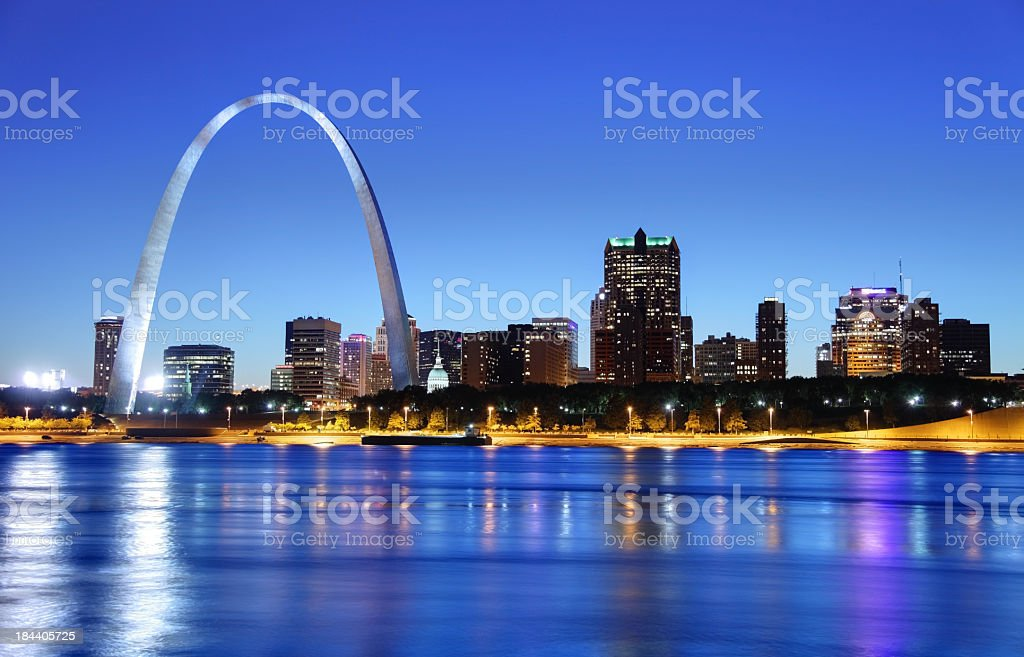 Night view of the arch in the St. Louis skyline stock photo