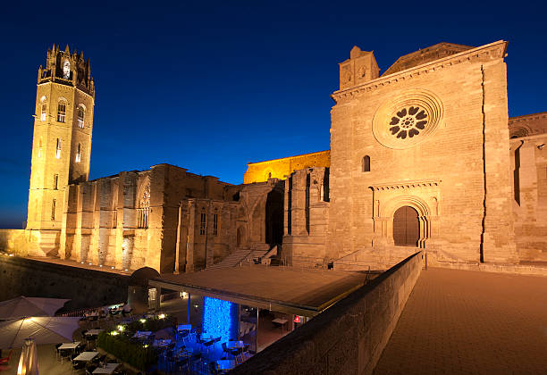 나이트 뷰 cathedral.catalonia.spain lleida - lleida 뉴스 사진 이미지