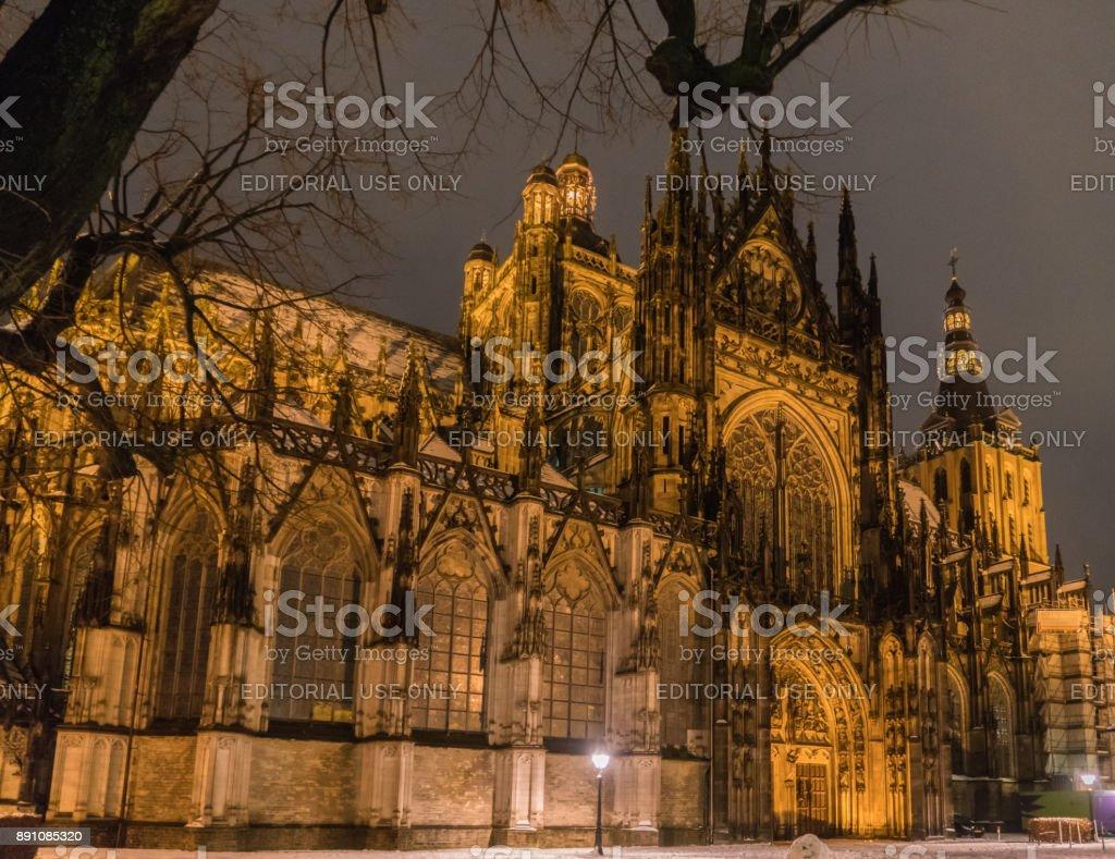 Nachtansicht des Heiligen Jan Cathedral – Foto