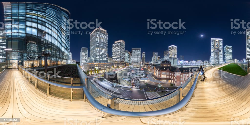 KITTE屋上庭園から見た東京駅の夜景 stock photo
