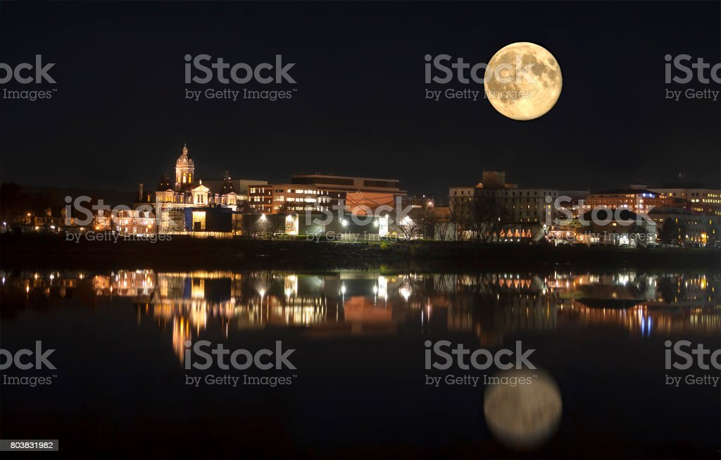 moon reflection illustration: full moon over blue water ...   Full Moon Reflecting Off Water