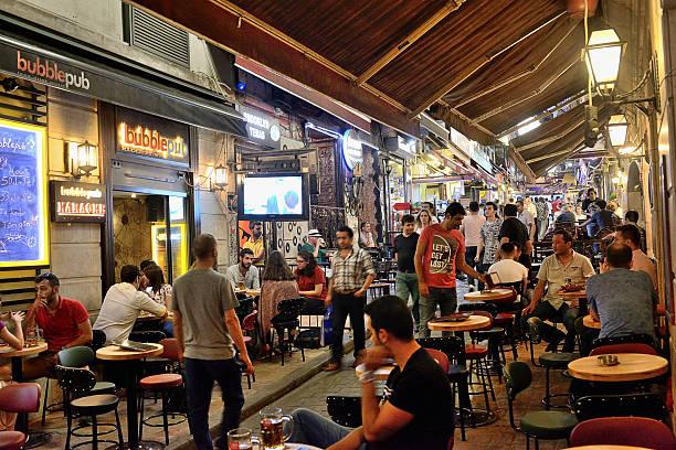 nightlife in istanbul - istiklal avenue bildbanksfoton och bilder