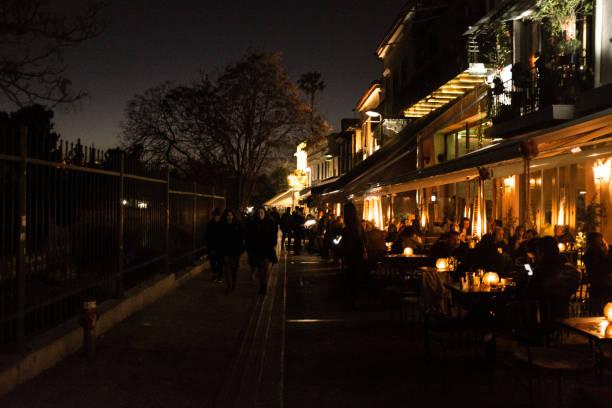 Nachtleben auf dem Monastiraki-Platz, – Foto