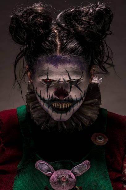 albtraum-clown - horror zirkus stock-fotos und bilder