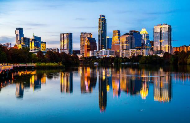 Nightscape blaue Stunde in Austin, Texas – Foto