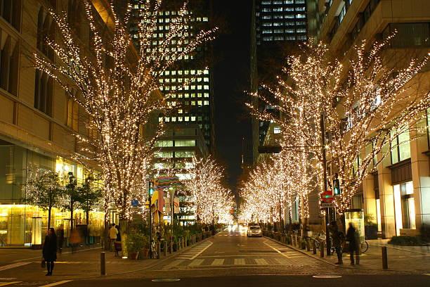 nachtansicht in tokio, japan, einkehren. - weihnachten japan stock-fotos und bilder