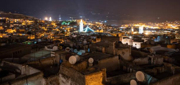モロッコ ・ フェズのメディナを夜間 ストックフォト