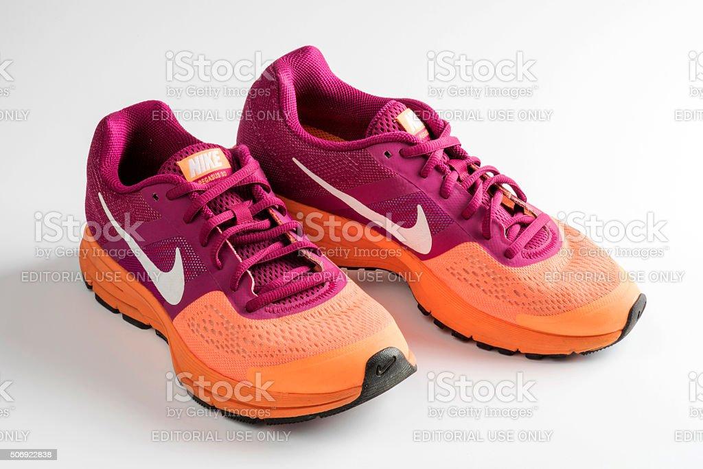 Perdóneme vacío en términos de  Nike Pegasus Design Shoes And Logo Stock Photo - Download Image Now - iStock