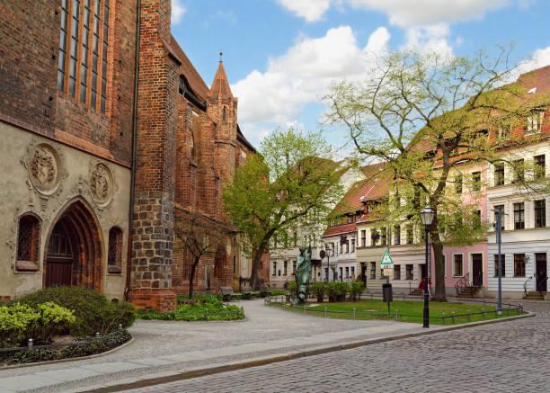 nikolaiviertel (nikolaiviertel), berlin, deutschland - nikolaiviertel stock-fotos und bilder