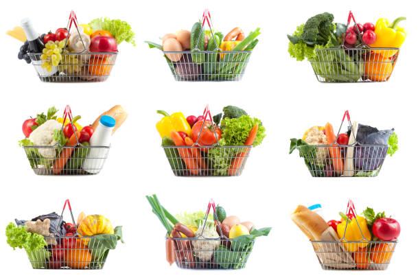 Neun verschiedene Warenkörbe mit perfekte gesunde Ernährung – Foto