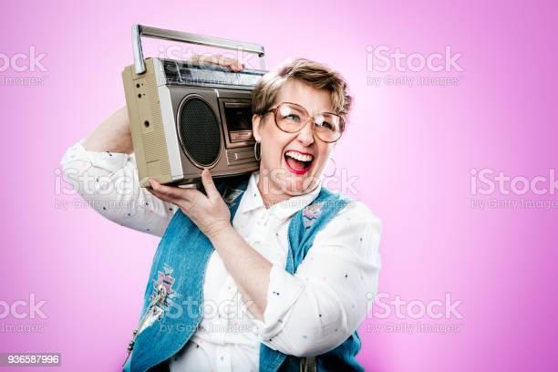 Nineties styled woman portrait with boombox stereo picture id936587996?b=1&k=6&m=936587996&s=612x612&h=odiiqae jezcvd3 4yaixtpfbzr4jw1i9 dqruzj7ka=