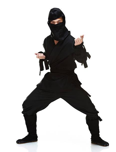 ninja en acción - ninja fotografías e imágenes de stock