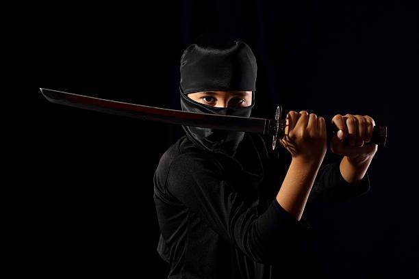 ninja niños - ninja fotografías e imágenes de stock