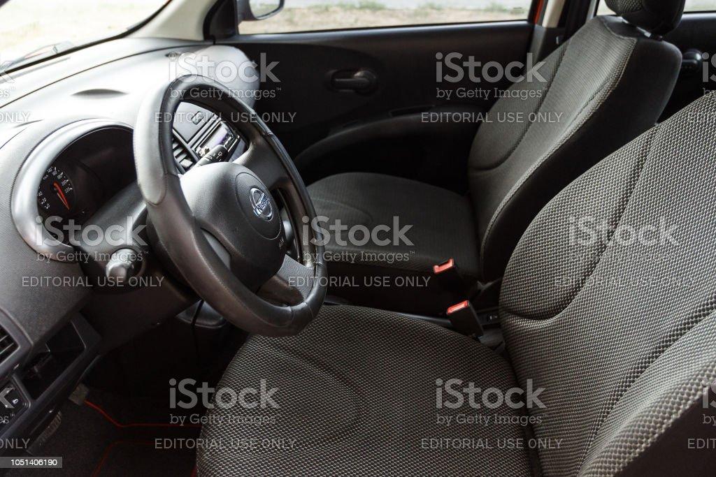Foto De Assentos Volante E Interior Do Nissan Micra E Mais Fotos De Stock De Assento Istock
