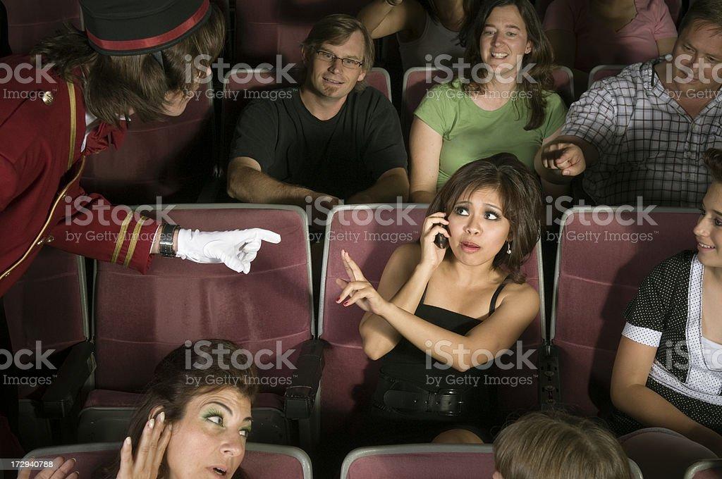 No teléfonos celulares en cine - foto de stock