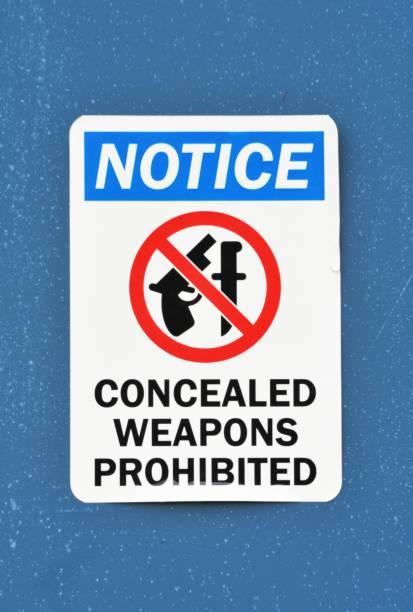 Keine Waffen verboten – Foto