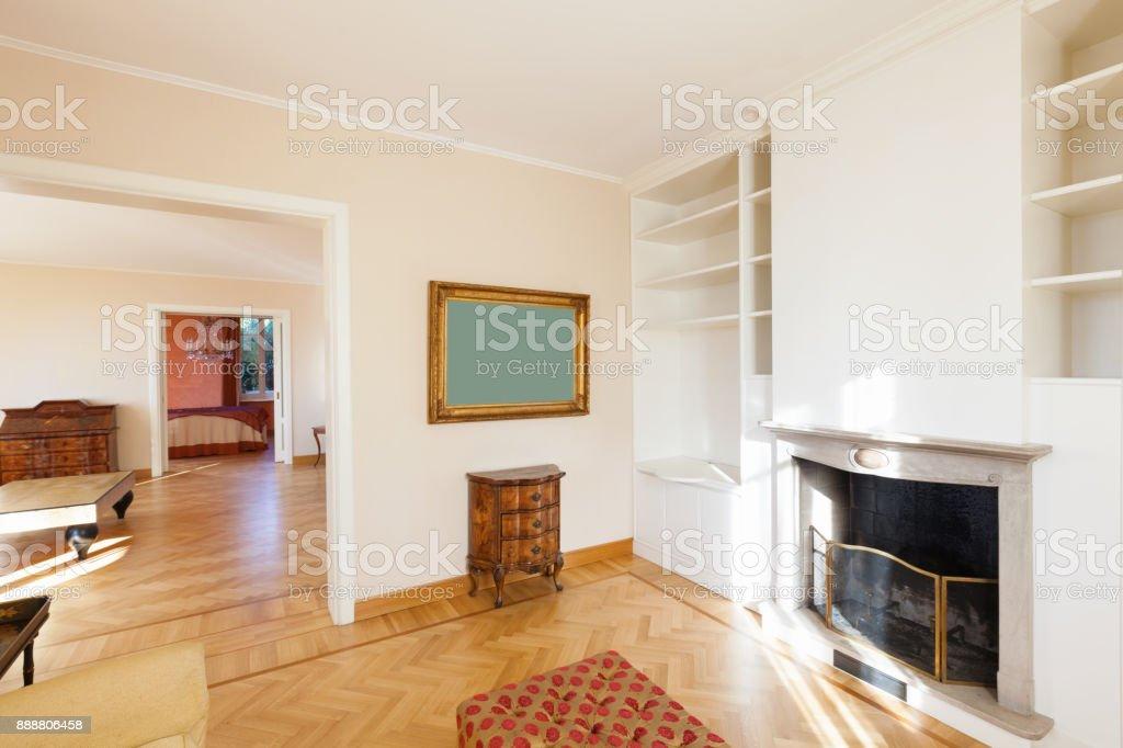 Edle Wohnzimmer Mit Kamin Stockfoto Und Mehr Bilder Von Alt Istock