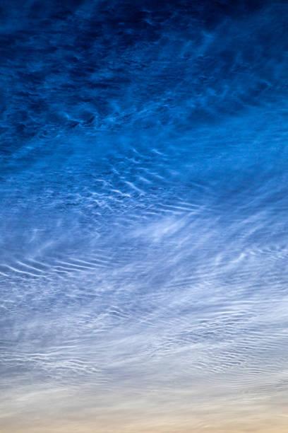 Noctilucent wolken foto