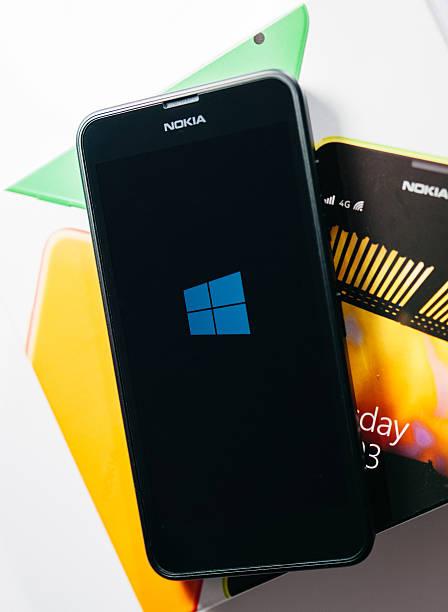 nokia lumia microsoft widowsphone - microsoft windows stock-fotos und bilder