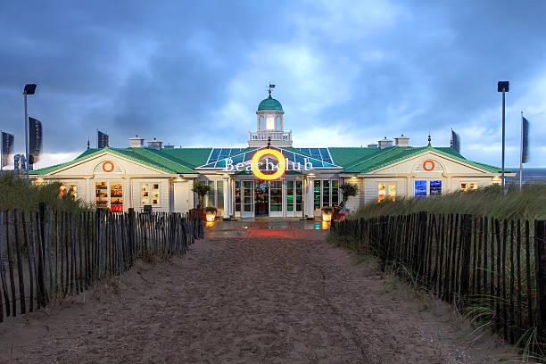 noordwijk, niederlande - nordsee urlaub hotel stock-fotos und bilder