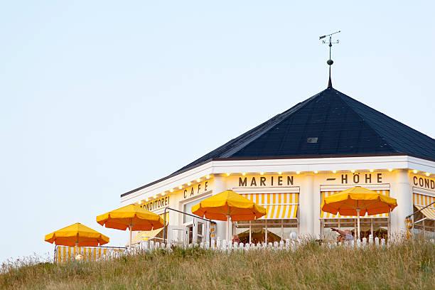 cafe marienhöhe norderney - urlaub norderney stock-fotos und bilder