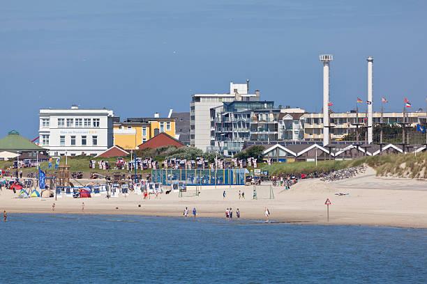 norderney main beach - urlaub norderney stock-fotos und bilder