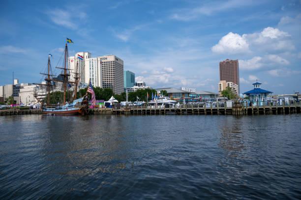 Norfolk Downtown Marina beim Harborfest – Foto
