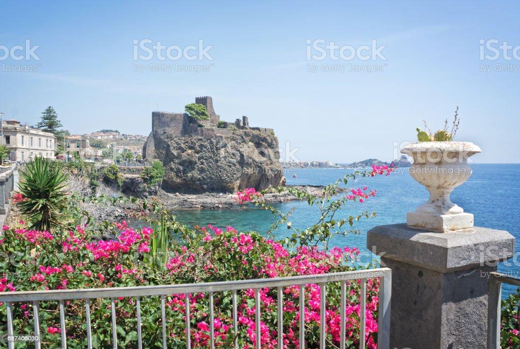 Norman castle in Aci Castello village Sicily, Italy - foto stock
