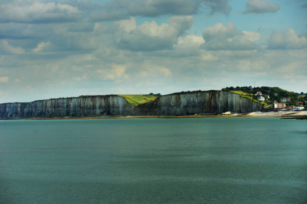 normandie dieppe falaises - english channel stock pictures, royalty-free photos & images
