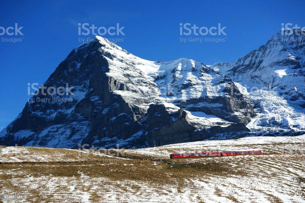 Nordwand des Eiger Berg und Wengernalp Bahn, Jungfrauregion, Schweiz – Foto