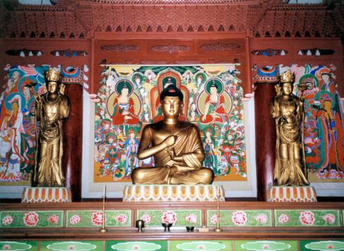 北朝鮮 Pohyon 仏教寺院 - アジア大陸のストックフォトや画像を多数ご ...
