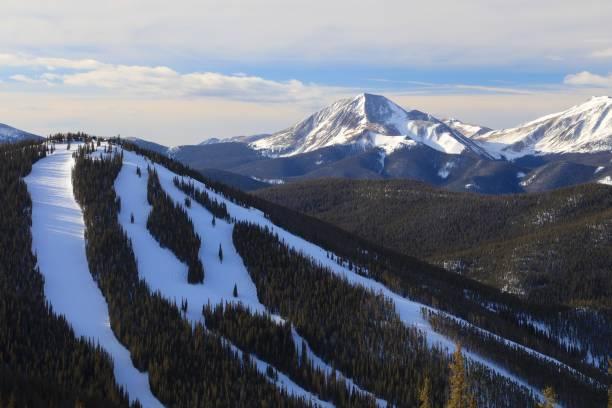 piste de ski de north peak à keystone station de ski dans le colorado - station de ski photos et images de collection