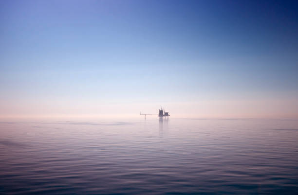 nordsee-bohrinsel - schönen abend bilder stock-fotos und bilder