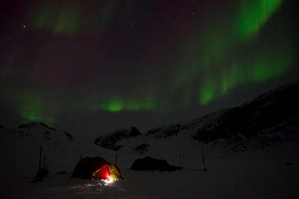 Norden Licht mit Zelt – Foto