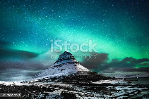Northern lights in Mount Kirkjufell Iceland