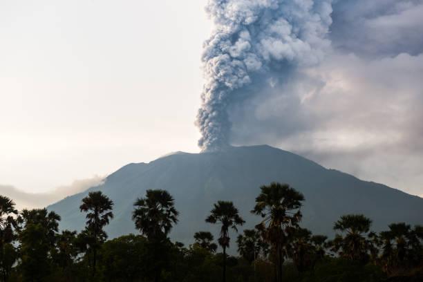 Nördlichen Blick auf Ausbruch des Bali Vulkan Mount Agung – Foto
