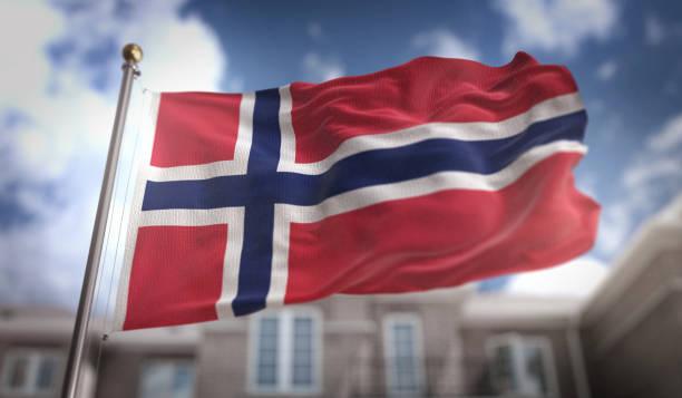 norwegen flagge 3d rendering auf blue-sky-gebäude-hintergrund - norwegen fahne stock-fotos und bilder